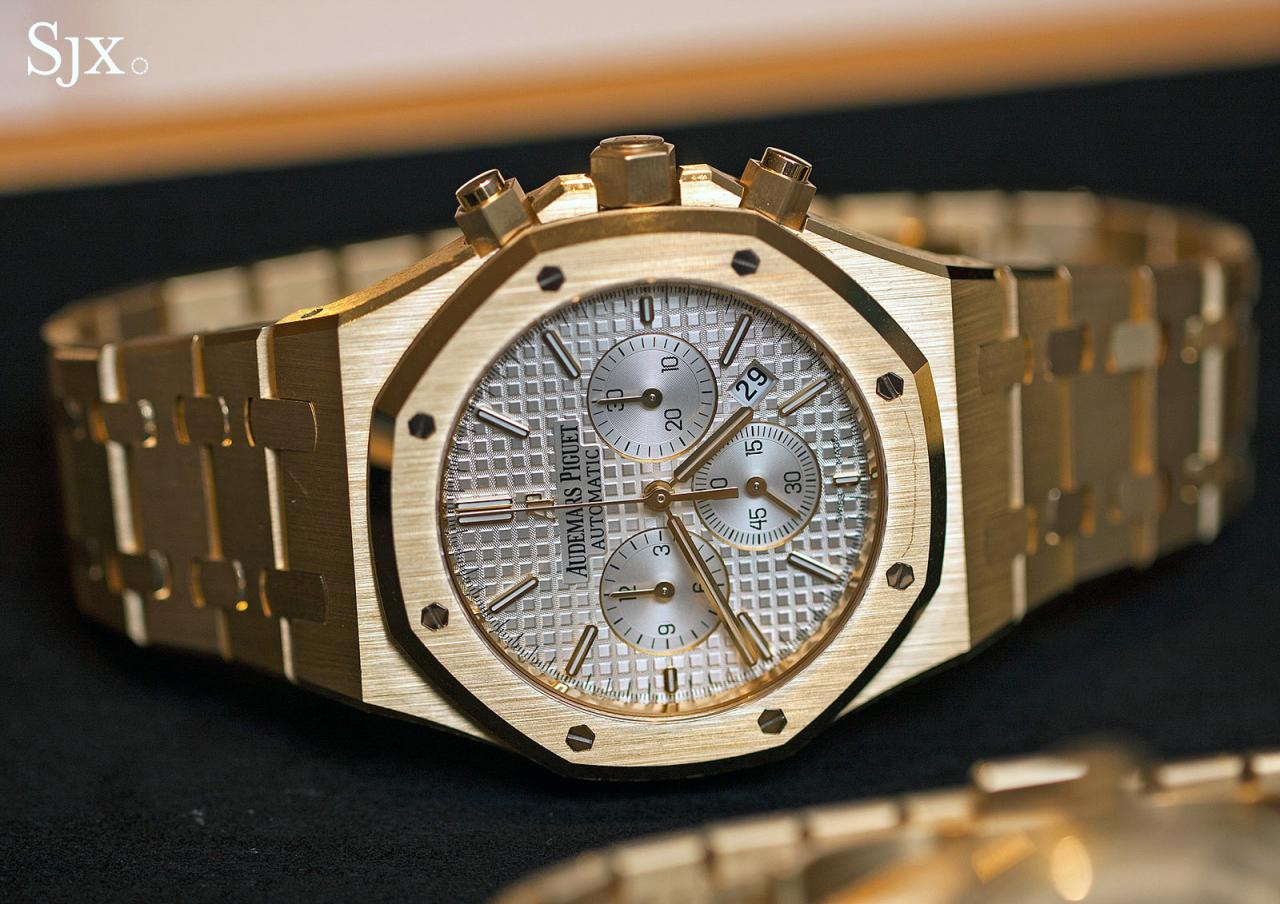 Audemars Piguet Royal Oak Chronograph 41 mm yellow gold 1
