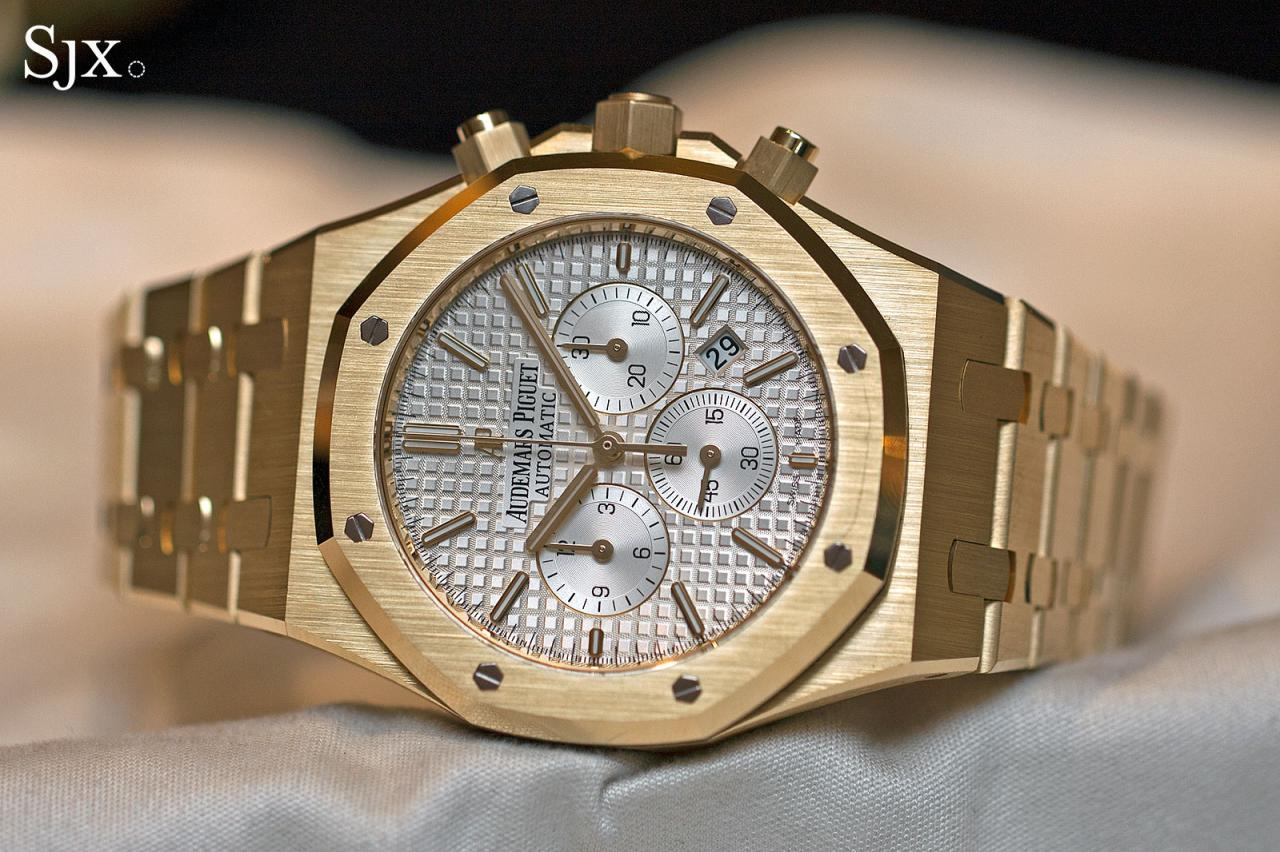Audemars Piguet Royal Oak Chronograph 41 mm yellow gold 10