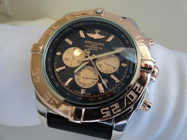 Breitling-Chronomat-Rose-Gold-Fake-Watch-Photo-Review