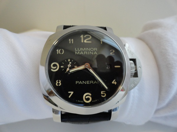 Panerai-Luminor-Marina-Fake-Watch-Photo-Review-Wrist